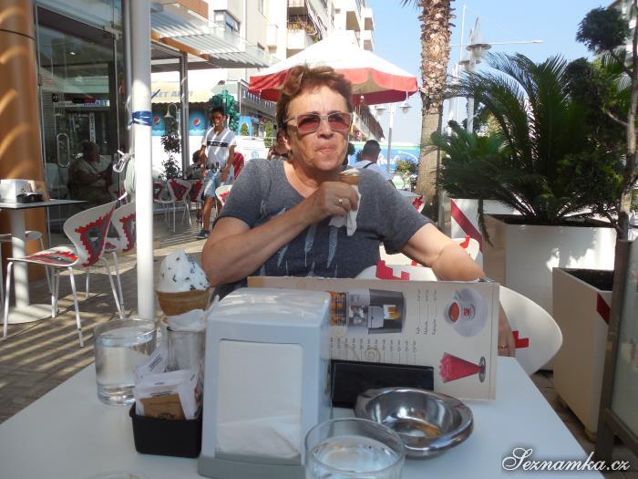 žena, 70 let, Zlín