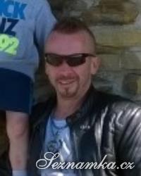 muž, 44 let, Velká Británie
