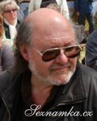 muž, 64 let, Aš