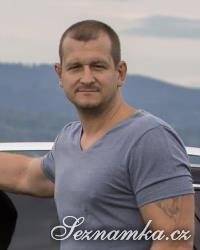 muž, 42 let, Semily