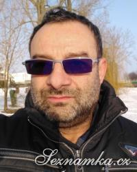 muž, 45 let, Praha