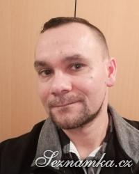 muž, 41 let, Mělník